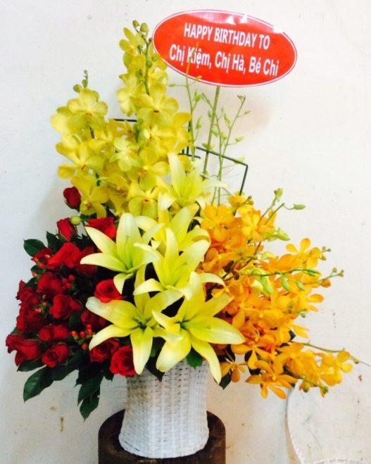 Gio hoa màu vàng