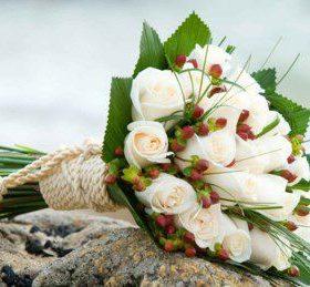 hoa cuoi mau trang
